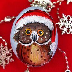 Yeni Yılın Sağlık, Mutluluk, Huzur ve BARIŞ getirmesi dileğiyle... Merry Christmas & Happy new year.... #hediye #elboyama #taşboyama #akrilikboyama #hediyelik #yılbaşı #yeniyıl #biblo #sanatsal #sanatsalboyama #özelgünler #kişiyeözel #paintingart #handmade #handpainted #stonepainted #acrylicpainting#rockpainting #stone #happynewyear #christmas #merrychristmas  #baykuş #owl