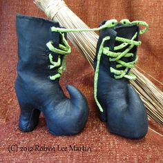 Primitive PDF Pattern Witch Boots Snake Sewing by MotherlodeToad