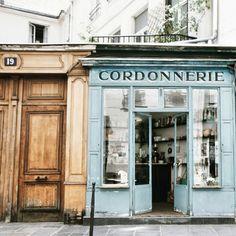 Boot Café in Paris.