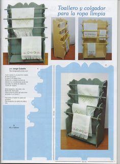 A quién le haya gustado el mueble que hice para la ropa blanca, aquí os dejo el articulo que ha salido publicado en la revista Miniaturas n...