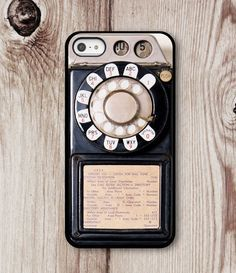 Old Phone Iphone Case… 50+ of the best iPhone cases out there!! WANT!