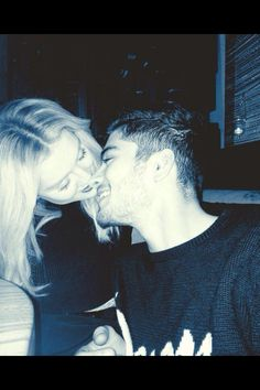 ZAYN JUST TWEETED THIS AND IM DYING OF ADORABLENESS #ZERRIE