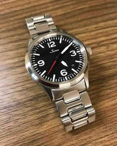 The Rolex Explorer is the quintessential watch - nothing superfluous, only the time, with a sports vibe. If you don't want to break the bank or just want something else than the regular black dial, here are some cool alternatives Luxury Watches, Rolex Watches, Watches For Men, Wrist Watches, Steinhart Ocean One, Sinn Watch, Rolex Explorer, Funky Design, Citizen Watch