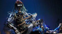 A vida real está mais próxima dos filmes de ficção do que você imagina. Agora podemos presenciar até um show exclusivo com uma banda formada somente por robôs acredita? Confira os detalhes no  http://www.blogdaengenharia.com