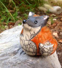 Advantages of Using Pottery for Interior Design Pottery Animals, Ceramic Animals, Ceramic Birds, Clay Animals, Ceramic Clay, Raku Pottery, Pottery Art, Animal Sculptures, Sculpture Art