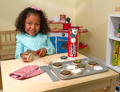 Slice and Bake Cookie Set - Wooden Play Food - Melissa and Doug