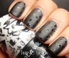 Matte black with glossy polkadots from Nails mde simple.