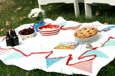 DIY Applique Bunting Tablecloth