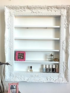 White Baroque Ornate Display Organizer di DaintyCreations su Etsy