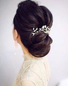 Elegant Wedding Updo Hairstyles,upstyles, chignon,bridal updos,wedding hairstyles,bridal hairstyles ,elegant updos #weddinghairstyles #bridalupdo #updos