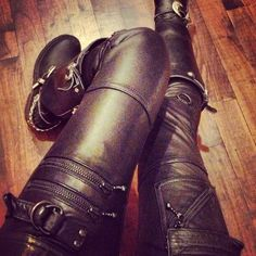 """I'd be too sweaty for life after like an hour, but it'd be a fiercely stylish hour. """"zip up, patched leather pants"""" Metal Looks Style, Style Me, From Dusk Till Down, Grunge, Estilo Rock, Indie, Hipster, Rocker Chic, Victorian Steampunk"""