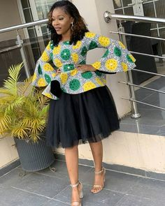 ankara mode We are here with the new collection of latest 2019 Beautiful Ankara Styles. these are fashionable ideas of 2020 Creative Ankara styles that Short African Dresses, Latest African Fashion Dresses, African Print Dresses, African Print Fashion, Africa Fashion, Ankara Mode, Ankara Stil, African Traditional Dresses, African Attire