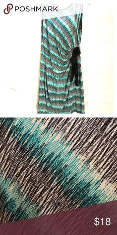 🆕✨Saint Tropez West 👗 Dress Multi Colored Sleeveless Dress 96% rayon 4% spandex machine wash Saint Tropez West Dresses Midi