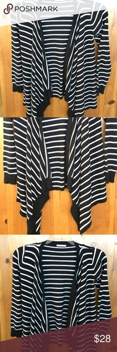 Staccato Black and White Sweater Size Small in excellent condition 32 in at it's longest in the front back of sweater 24 in long 23 in sleeve opens in front Staccato Sweaters Cardigans