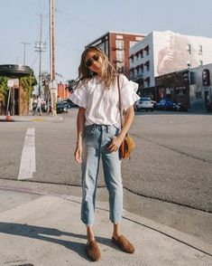 Women Jeans Outfit Formal Tops For Women Smart Casual Trousers Casual Georgette Saree Long Trench Coat Floral Dresses For Women Jeans And Heels Outfit – gladiolusrlily Look Fashion, Fashion Outfits, Fashion Tips, Korean Fashion, Classy Fashion, Men Fashion, Fashion Ideas, Fashion Quiz, Fashion Websites