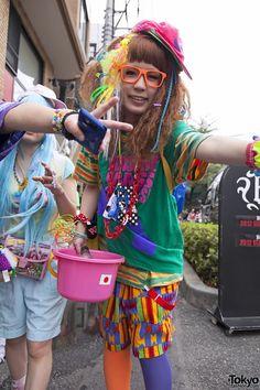 Harajuku Girl in Harajuku Fashion Walk Fashion Walk, Tokyo Fashion, Harajuku Fashion, Lolita Fashion, Harajuku Style, Kawaii Fashion, Japanese Streets, Japanese Street Fashion, Kei Visual