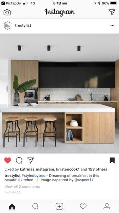 Modern Kitchen Design – Want to refurbish or redo your kitchen? As part of a modern kitchen renovation or remodeling, know that there are a . Timber Kitchen, White Kitchen Cabinets, Oak Cabinets, Kitchen Backsplash, Black Kitchens, Home Kitchens, Kitchen Black, Minimal Kitchen, Modern Kitchen Design