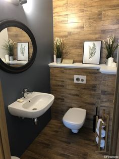 Splendid Small Toilet Design Ideas For Small Space In Your Home 44 Bathroom Light Bar, Bathroom Sink Design, Home Depot Bathroom, Bathroom Wall Shelves, Bathroom Paint Colors, Bathroom Wall Decor, Bathroom Interior, Bathroom Storage, Bathroom Stand