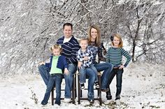 Winter Family Photos Needs More Colour Pops