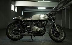 Suzuki GS450 by Cafe Racer's Passion