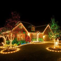 Christmas Lighting Tips shares tips on choosing, maintaining and installing the best outdoor Christmas lighting for your home. shares tips on choosing, maintaining and installing the best outdoor Christmas lighting for your home. Exterior Christmas Lights, Christmas Lights Outside, Hanging Christmas Lights, Holiday Lights, Christmas Displays, Best Christmas Lights, Pictures Of Christmas Lights, Icicle Lights Outdoor, Outdoor Christmas Light Displays