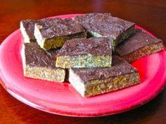 Quinoa Protein Bars (+ dark chocolate!!)