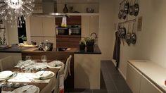 New Kitchen Roomset, METOD VOXTORP, IKEA Eindhoven Netherlands