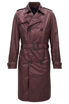 This Lightweight Trench Coat Was Made for Traveling