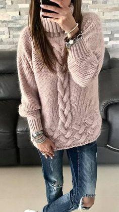 44 Knitted Women Sweaters Trending Now sweaters for women knitwear 44 Knitted Women Sweaters Trending Now - Fashion New Trends Trending Now Fashion, Pull Torsadé, Handgestrickte Pullover, Knit Fashion, Modest Fashion, Fashion 2018, Fashion Outfits, Knitting Patterns, Crochet Patterns