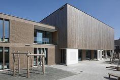 Primary School De Vuurvogel / Grosfeld van der Velde Architecten
