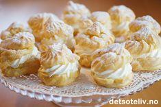 Choux à la crème (Franske vannbakkels med krem) Lollipop Candy, Candy Cookies, Pudding Desserts, Potato Salad, Creme, Cauliflower, Cheesecake, Muffin, Food And Drink