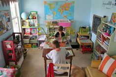 a teachers dream, a classroom in my house!Lots of photos of awesome homeschool rooms! Outdoor Learning, Home Learning, Learning Spaces, School Classroom, School Fun, School Tips, Middle School, High School, Montessori