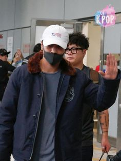 jung yong hwa arrived hong kong for the last solo consert. just smile we are with you for ever oppa❤❤❤❤❤❤❤❤❤❤❤❤❤
