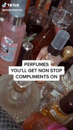 Denim Outfit For Women, Clothes For Women, Perfume Scents, Perfume Collection, Body Mist, Smell Good, Winter Time, Compliments, Beauty