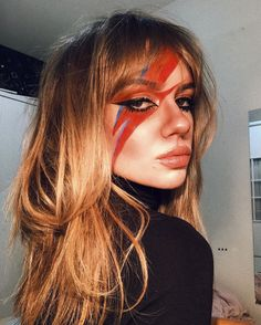 Halloween Costumes For Work, Pretty Halloween, Halloween Inspo, Halloween Kostüm, Halloween Makeup, David Bowie Makeup, Pretty Makeup, Makeup Looks, David Bowie Costume