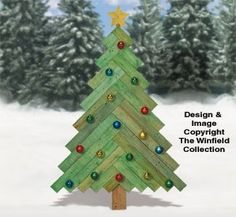 Outdoor Wooden Christmas Tree Pattern