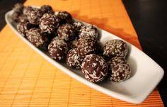 Oppskrift Momsekuler Nøttekuler Sjokoladekuler Sunt godteri Hampfrø Kokos Sjokolade Nøtter Dadler