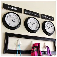 Mudroom-Wall Ideas with clocks Grey Living Room With Color, Living Room Colors, Time Zone Clocks, Interior Wall Colors, Interior Design, Side Tables Bedroom, Travel Crafts, Guest Room Office, Diy Clock