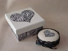 Caixa de mdf decorada com decoupage.  Acompanha sabonete Natura decorado. R$17,00