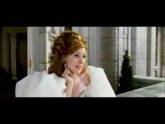 Amy Adams as Giselle singing The Happy Working Song, from Disney's Enchanted. She has the freshest, prettiest voice and her performance is absolutely adorable! Disney Songs, Disney Music, Disney Movies, Singing Lessons, Singing Tips, Music Clips, My Music, 2nd Grade Music, Positive Songs