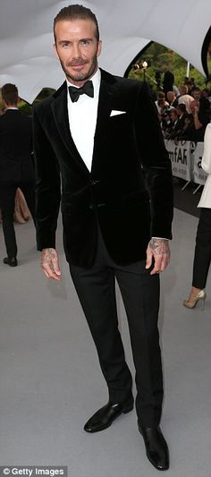 New Wedding Suits Men Groom Attire Black Tux Ideas Men's Tuxedo Wedding, Best Wedding Suits, Black Suit Wedding, Trendy Wedding, Wedding Tuxedos, Wedding Attire, Boho Wedding, Mens Velvet Suit, Black Velvet Suit