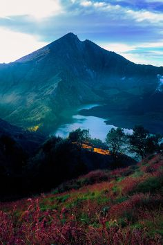 Mount Rinjani   (byHerry Photos) - be there http://www.wego.co.id/?ts_code=464dc&sub_id=&locale=id&utm_source=464dc&utm_campaign=WAN_Affiliate&utm_content=text_link