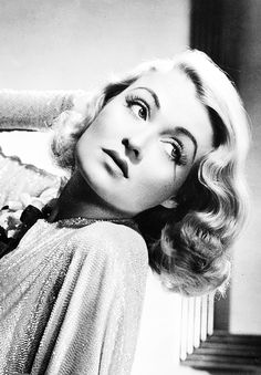Constance Bennett, was a delight to watch she had the most glamorous clothes, and she knew how to wear them.