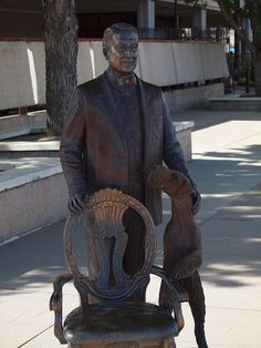 Warren G. Harding Statue, Presidents Tour, Rapid City, South Dakota - President of the United States of America Presidents Wives, Republican Presidents, Black Presidents, American Presidents, American History, Presidential Portraits, Presidential History, Family History Book, History Books