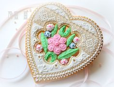 Fabulous cookie for Mother's Day! Wish I had the patience to do this!