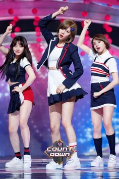 #Twice #Signal MCountdown