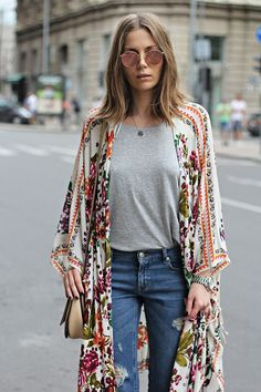 dress up jeans and a tee with a floral kimono #streetstyle