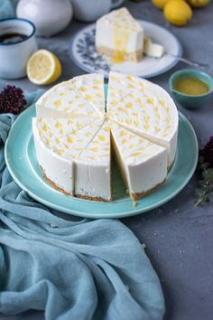 Zitronen-Joghurt-Torte: Wenn das Leben Dir Zitronen gibt, oder wie war das? ⋆ Knusperstübchen