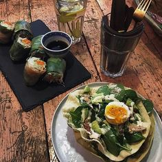 Lunch PuiCk Breda, papadum salade en lenterollen