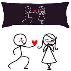 Que tal presentar a pessoa amada com fronhas personalizadas por você? Legal né? Se você for casado(a) é ainda melhor pois você também pod...